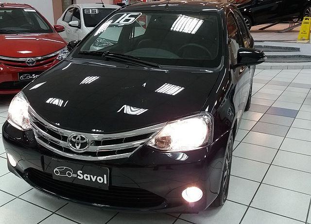 Toyota Etios Sedan Platinum 1.5 16V Flex Preto 2016}