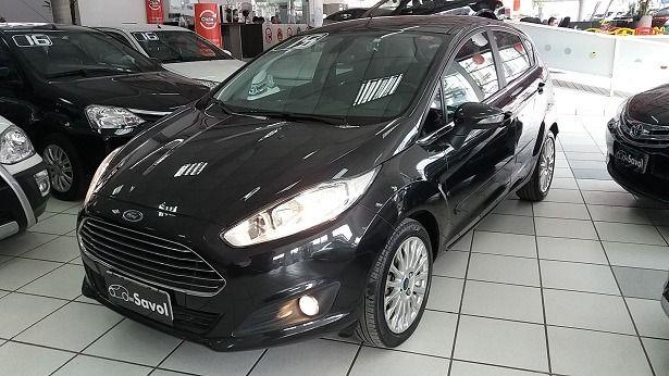 Ford Fiesta Titanium PowerShift 1.6 Preto 2015}