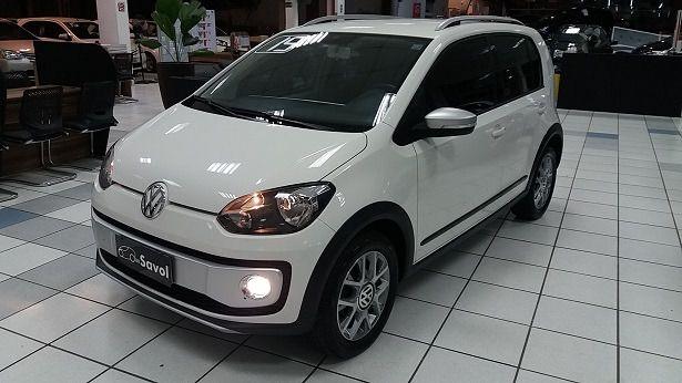 Volkswagen Up! Cross 1.0l MPI Total Flex Branco 2015}