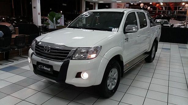 Toyota Hilux SRV 4X4 Cabine Dupla 2.7 16V VVT-i Flex Branco 2015}