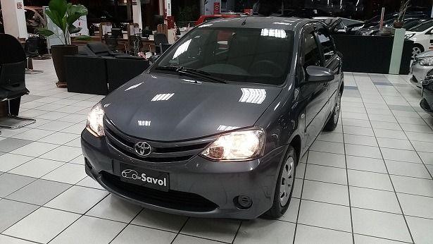 Toyota Etios XS 1.5 16V Flex Cinza 2014}