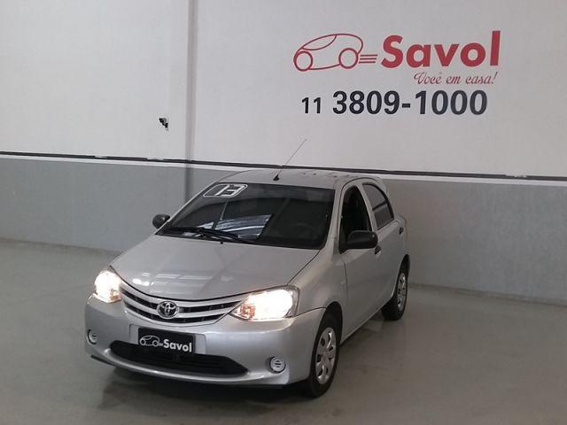 Toyota Etios X 1.3 16V Flex Prata 2013}