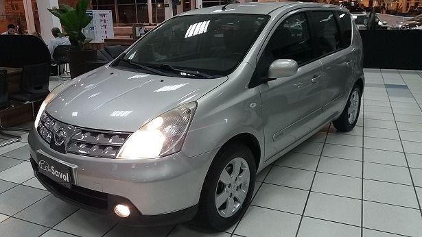 Nissan Livina SL 1.8 16V Flex Prata 2010}