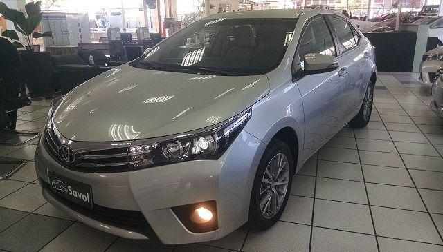 Toyota Corolla Altis 2.0 16V Flex Prata 2017}
