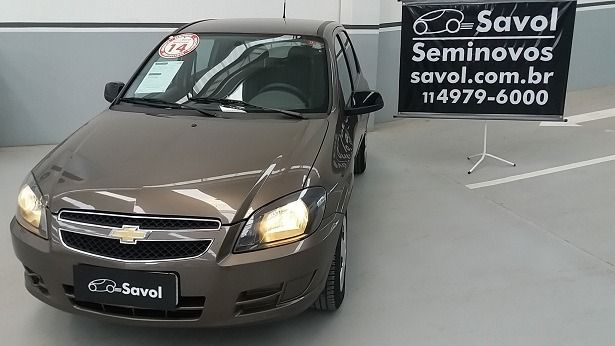 Chevrolet Celta Advantage 1.0 MPFI 8V Flexpower Cinza 2014}
