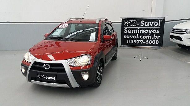 Toyota Etios Cross-MT 1.5 16V Flex Vermelho 2015}