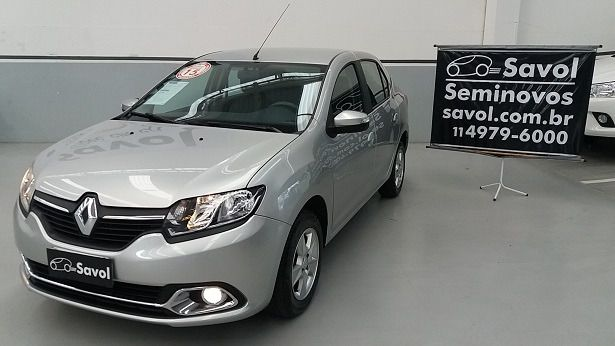 Renault Logan Dynamique 1.6 8V Flex Prata 2015}