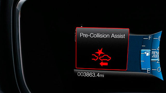 Fusion Hybrid - Alerta de Colisão (Forward Collision Warning)