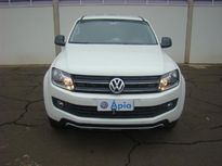 Volkswagen Amarok 2.0 TDi CD 4x4 Trendline  série Dark Label (Aut) 2016}