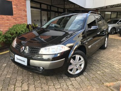 Renault Megane Grand Tour Mégane Grand Tour Dynamique 1.6 16V (flex) 2009}