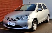 Toyota Etios Hatch X 1.3L Flex 2017}