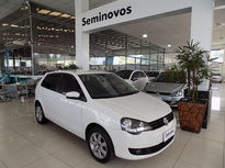 Volkswagen Polo Hatch . 1.6 8V (Flex) 2013}