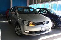 Volkswagen Voyage Highline 1.6 VHT 2015}