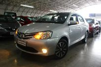 Toyota Etios Hatch Platinum 1.5L Flex 2016}