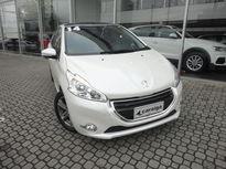 Peugeot 208 Griffe 1.6 (Aut) 2014}
