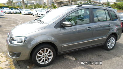 Volkswagen SpaceFox Highline 1.6 I-MOTION 2014}
