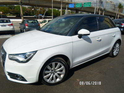 Audi A1 1.4 TFSI S Tronic Sportback Attraction 2013}