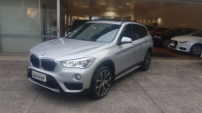 BMW X1 Active 2.0 25i (Flex) 2017}