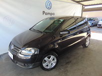Volkswagen Fox 1.0 MI BLACKFOX 8V FLEX 4P MANUAL 2010}