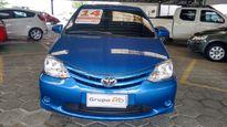 Toyota Etios Hatch 1.5 XS 16V 2014}