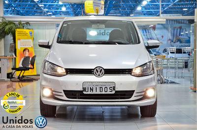 Volkswagen Fox Comfortline 1.6 I-MOTION 2016}