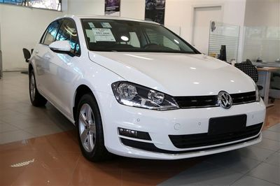 Volkswagen Golf 1.4 TSi BlueMotion Tech. DSG Highline 2017}