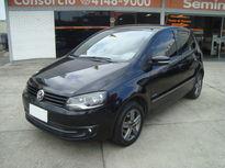 Volkswagen Fox 1.0 MI BLACKFOX 8V FLEX 4P MANUAL 2013}