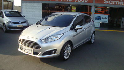 Ford Fiesta 1.6 Titanium PowerShift 2014}