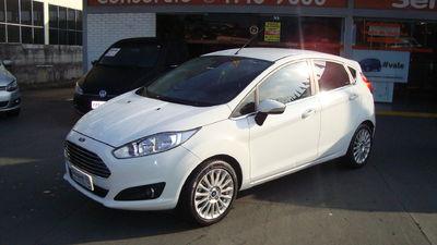 Ford New Fiesta Hatch 1.6 Titanium 2015}