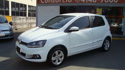 Volkswagen Fox Highline 1.6 MSI I-MOTION 2018}