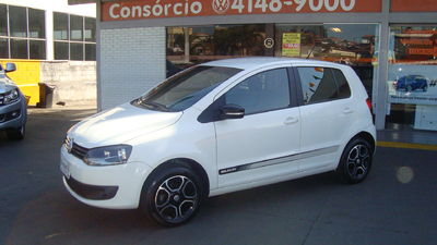 Volkswagen Fox 1.0 TEC Seleção (Flex) 2014}