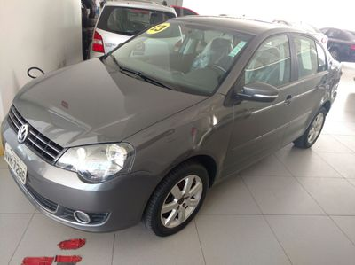 Volkswagen Polo 1.6 8V I-Motion (Flex) (Aut) 2013}