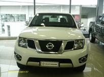 Nissan Frontier 2.5 TD CD 4x4 SL (Aut) 2014}
