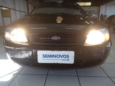 Ford Fiesta Sedan Street 1.0 MPi 2002}