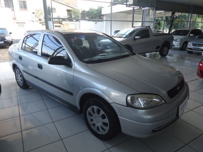 Chevrolet Astra Sedan GL 1.8 MPFi 2000}