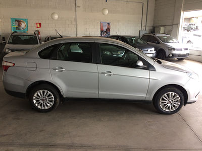 Fiat Grand Siena ATTRACTIVE 1.4 EVO FLEX 2016 4P 2016}