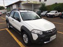 Fiat Strada Adventure Dualogic 1.8 16V 2p (Flex) (Cab Dupla) 2013}