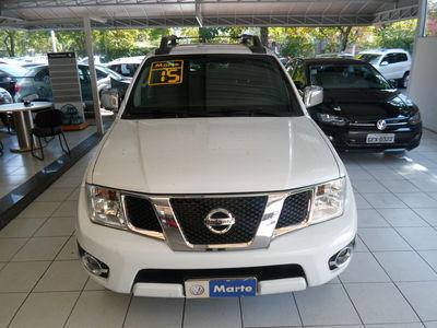 Nissan Frontier 2.5 TD CD 4x4 SL (Aut) 2015}