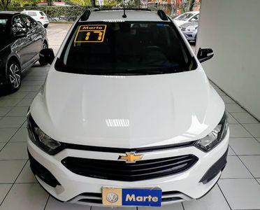 Chevrolet Onix Activ 1.4 MPFI (Aut) 2017}