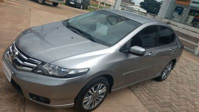 Honda City DX 1.5 16V (flex) (aut.) 2014}