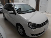 Volkswagen Polo Sedan Comfortline 1.6 8V I-Motion (Flex) (Aut) 2014}