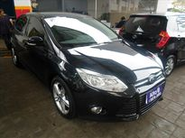 Ford Focus Hatch SE Plus 2.0 AT 2015}