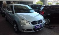 Volkswagen Polo Sedan Comfortline 1.6 8V (Flex) 2011}