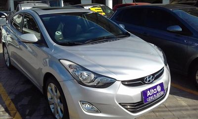 Hyundai Elantra Sedan 1.8 GLS (aut) 2012}