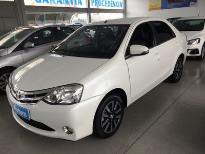 Toyota Etios Sedan Platinum 1.5L Flex 2015}