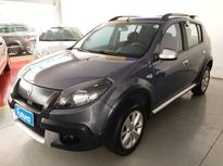 Renault Sandero STEPWAY 1.6 16v(Hi-Flex) 2013}
