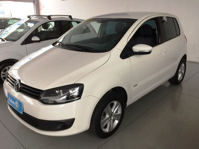 Volkswagen Fox 1.6 8V I-Motion (Flex) 2014}