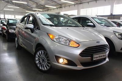 Ford Fiesta Titanium Plus 1.6 AT 2016}