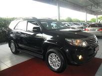 Toyota SW4 SRV A/T 3.0L 4x4 Diesel Automático 7 Assentos 2013}