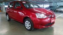 Toyota Etios Hatch X 1.3L (Flex) 2016}